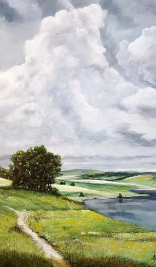 Paesaggio con bellissime nuvole pronte a bagnare